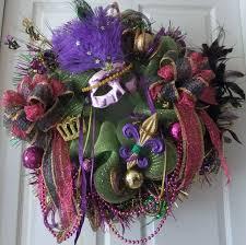 Mardi Gras Mask Door Decoration by 52 Best Mardi Gras Garland And Wreaths Images On Pinterest