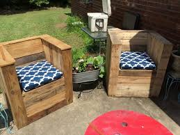 Wooden Pallet Patio Furniture Plans by 20 Diy Pallet Patio Furniture Tutorials For A Chic And Pdf