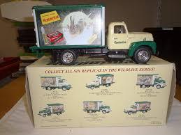 100 Rabbit Truck RARE 1957 REMINGTON WILD RABBIT TRUCK First Gear WILDLIFE SERIES