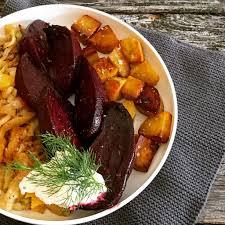 veggie bowl mit fenchelsalat gebackener roter bete und