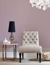 farbe mauve inspiration vintage stuhl beistelltisch messing