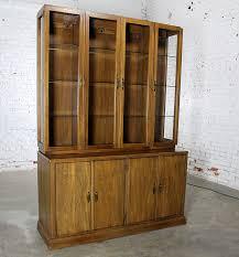 Davis Cabinet Company Lighted Display China Hutch Vintage Mid Century Modern