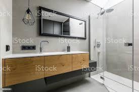 moderne badezimmer mit dusche stockfoto und mehr bilder architektur