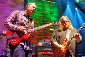 Derek Trucks E Warren Haynes Sairão Do Allman Brothers No Fim De ... Derek Trucks The Allman Brothers Band Performing At The Seminole 24 Years Ago 13yearold Opens For Brizz Chats With Of Review Tedeschi Jams Familystyle Meadow Brook Needle And Damage Done Gregg Warren Haynes Signed Autograph Electric Guitar Core Relix Media To Exit