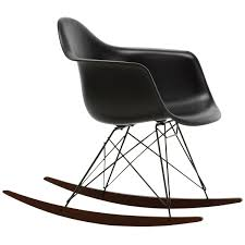 Eames RAR Rocking Chair, Deep Black - Basic Dark - Dark Maple Isla Wingback Rocking Chair Taupe Black Legs Safavieh Outdoor Living Vernon White Rar Eames Colby Avalanche Patio Faux Wood Rapson Amazoncom Adults For Heavy People Clips Monet Rattan Rocking Chair Base Pp Ginger