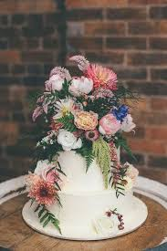 11 Stylish Floral Wedding Cakes To Lust After