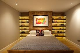 dekoideen für die ziegelwand im schlafzimmer und eine