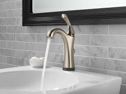 Delta Touch Faucet Battery by Faucet Com 592t Ss Dst In Brilliance Stainless By Delta