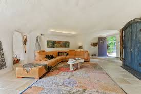 100 Flintstone House Dick Clark No One Wants To Buy This Bizarre House In A Wealthy San Francisco