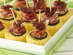 idée de canapé canapés de polenta jambon tomates recettes femme actuelle
