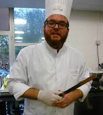 lenotre cours de cuisine élève pâtissière à l ecole de cuisine lenôtre du bruit