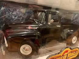 100 56 Ford Truck 19 FORD F100 STEP SIDE PKP BLK ERTL COLLECTIBLES 118 AMERICAN MUSCLE SERIES