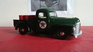 100 1947 International Truck 2009 TEXACO 47 KB1 Pick Up 26 ERTL