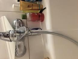direkt nach einzug wasserhähne bad defekt syphon undicht
