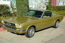 Ford Mustang Fastback Honey Gold
