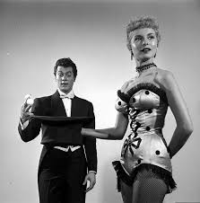 Janet Leigh Tony Curtis Stock Photos U0026 Janet Leigh Tony Curtis by Tony Curtis And Actress Wife Janet Leigh In The Movie Houdini