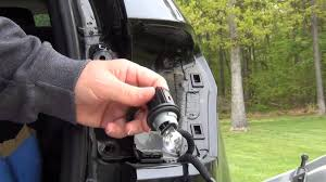 jeep grand light bulb replacement 2011 and up