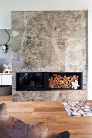 eingangswand und kaminanlage aus naturstein marmor