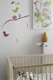 comment décorer la chambre de bébé diy mobile de printemps pour décorer la chambre de bébé ou la