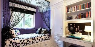 coole deko idee und farbgestaltung in lila und schwarz fürs