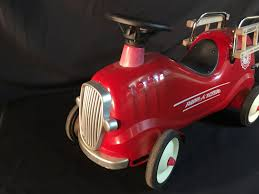 VINTAGE RADIO FLYER FIRE TRUCK RIDE ON KIDS TOY, 27'' LONG Little Red Fire Engine Truck Rideon Toy Radio Flyer Designs Mein Mousepad Design Selbst Designen Apache Classic Trike Kids Bike Store Town And Country Wagon 24 Do It Best Pallet 7 Pcs Vehicles Dolls New Like Barbie Allterrain Cargo Beach Wagons Cool For Cultured The Pedal 12 Rideon Toys Toddlers And Preschoolers Roadster By Zanui Amazoncom Games 9 Fantastic Trucks Junior Firefighters Flaming Fun