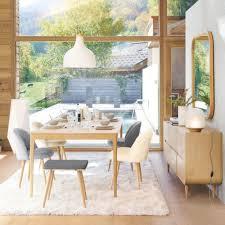 hellgrau melierter stuhl im vintage stil und birkenholz