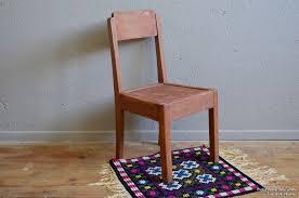chaise enfant en bois chaise enfant l atelier lurette rénovation de