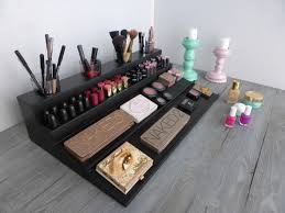 Makeup organizer magnetic display Beauty station in many