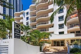 100 Ritz Apartment AMOMAcom SBroadbeach Australia Book This Hotel