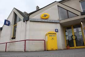 les bureaux de poste inquiétudes pour quatre bureaux de poste de l agglomération caen