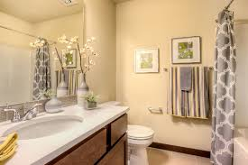 traditional bathroom with large ceramic tile tiled wall