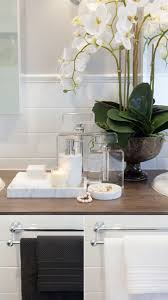 Colors For A Bathroom Pictures by Best 20 Bathroom Staging Ideas On Pinterest Bathroom Vanity