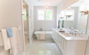 Bathtub Refinishing Training California by Masters Of Flip Two U0027s A Crowd Episode Bathrooms Pinterest