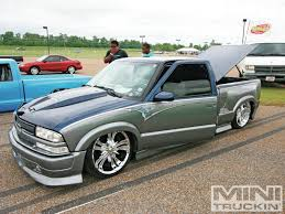 100 Chevy S10 Pickup Truck 99 Lowrider Youtube Mini Lowrider Youtube Slammed