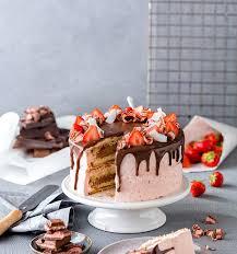 drip cake mit erdbeeren rezept einfache anleitung selber
