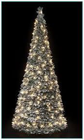 Half Christmas Tree Prelit 2