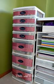 Plastic Drawers On Wheels by 25 Unique Plastic Storage Drawers Ideas On Pinterest Decorating