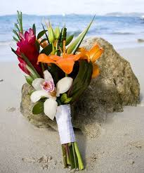Stunning Ideas For Your Beach Wedding Bouquets Using Tropical And Summer Flowers With Accents