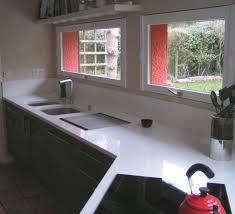plan travail cuisine quartz plan travail cuisine quartz quartz vs granite bathroom countertops