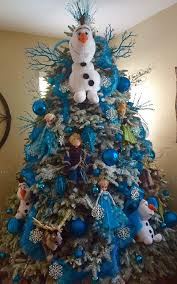 Type Of Christmas Tree Decorations by Best 25 Frozen Christmas Tree Ideas On Pinterest Frozen