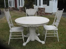 Furniture round white wooden Dining Table with four claws legs