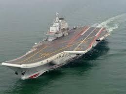 plus gros porte avion du monde premier appontage sur le porte avions chinois