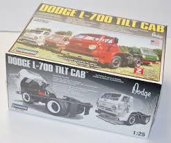 100 Model Truck Kits B5 Lindberg 125 1969 Dodge L700 Tilt CAB Plastic Kit