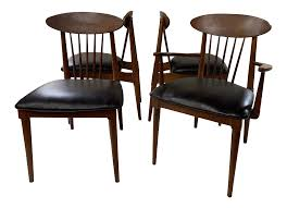 1950s Danish Modern Style Walnut Spindle Back Dining Chairs- Set Of ... Danish Midcentury Modern Rosewood And Leather Ding Chairs Set Of Scdinavian Ding Chairs Made Wood Rope 1960s 65856 Mid Century Teak Seagrass Style Layer Design Aptdeco 6 X Style Room Chair 98610 Living Room Fniture Replica Wooden And Rattan 2 68007 Pad Lifestyle Herringbone Sven Ding Chair Sophisticated Eight Brge Mogsen In Vintage Market Weber Chair Weberfniturecomau Vintage Danish Modern