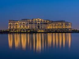 100 Hotel In Dubai On Water Palazzo Versace Deals Photos Reviews