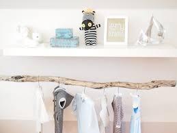 patère chambre bébé decoration chambre bois diy recherche i d é e s c r é