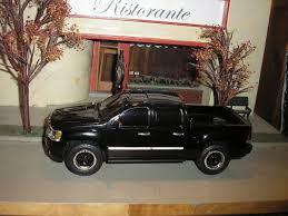 100 Custom Toy Trucks RARE CUSTOM LIFTED GMC Sierra Denali Pickup Truck 124