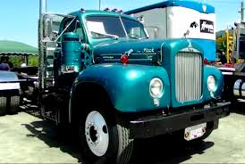 Mack Trucks: Old Mack Trucks Photos
