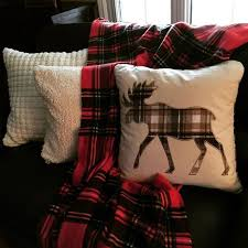 Oversized Throw Pillows Canada by Best 25 Moose Decor Ideas On Pinterest Moose Lodge Moose Art