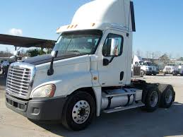 2010 Freightliner Cascadia 125 Day Cab | Trucks For Sale | Pinterest ...